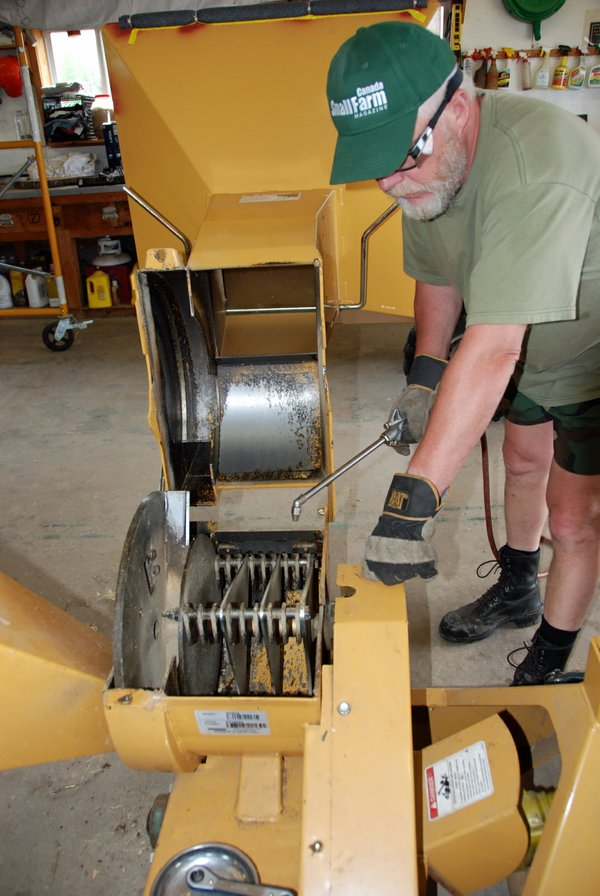 CHIPPER SHREDDER MAINTENANCE-001.JPG